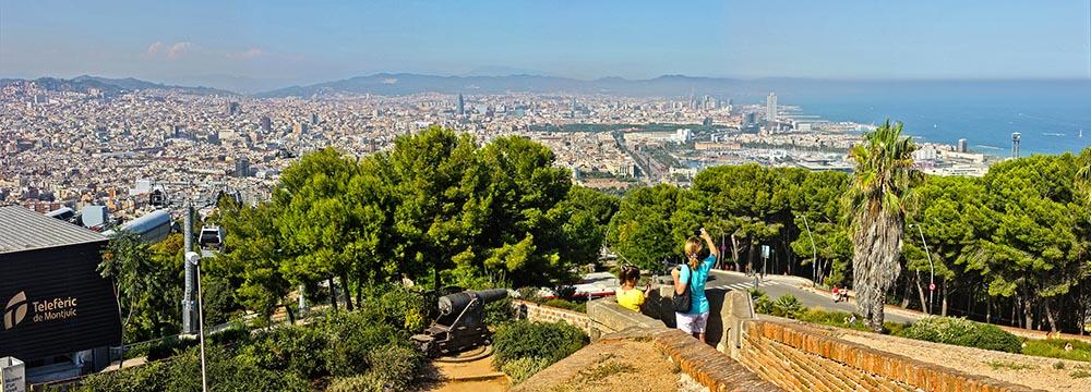 Вид на Барселону из крепости Монжуик