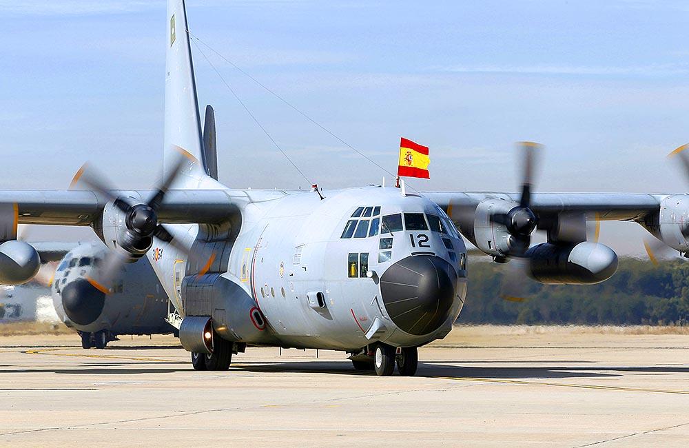 Самолеты ВВС Испании возвращаются на родину с ценным грузом на борту