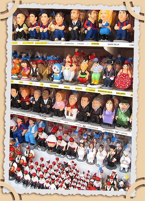 Фигурки каганеров на Рождественской ярмарке в Барселоне