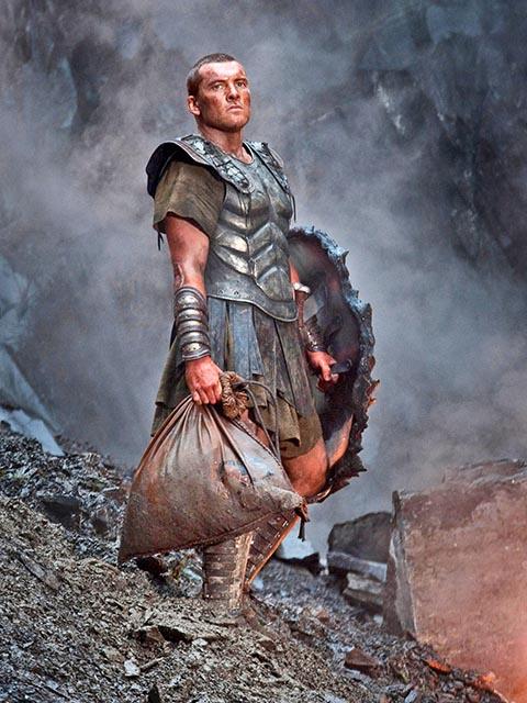 Кадр из фильма «Битва Титанов» (2010 г.) с Сэмом Уортингтоном