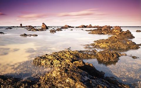 Каменистое побережье Лансароте
