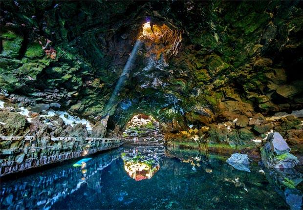 Подземное озеро в комплексе Хамеос-дель-Агуа