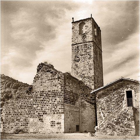 Бывшая церковь Сан-Сальвадор в городе Кастельфольит-де-ла-Рока в 1966 году