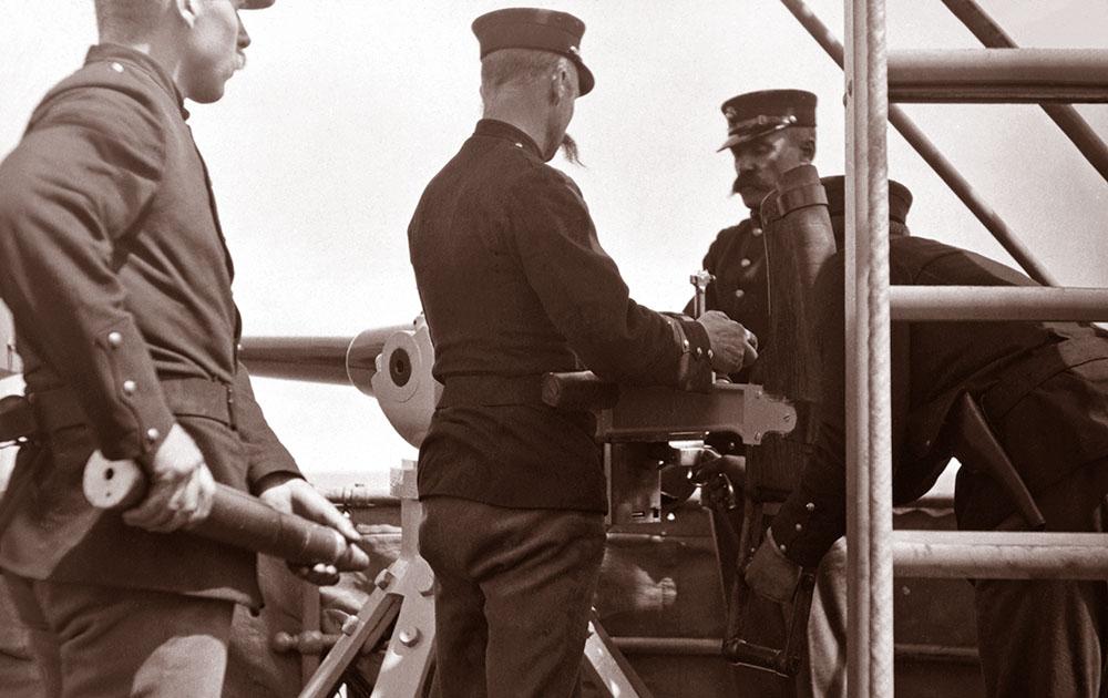 Артиллерийский расчет крейсера «Чарльстон»